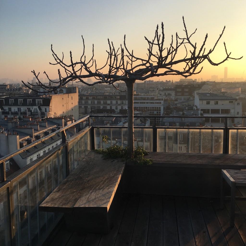lumière sur Paris couché de soleil