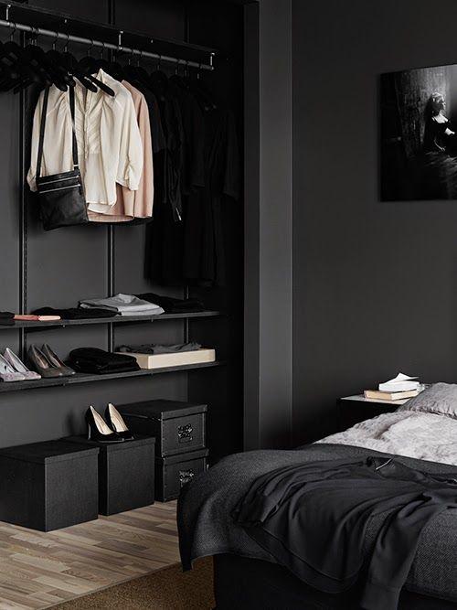 penderie ouverte noire dressing mur noir