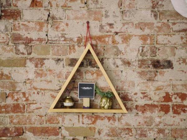 diy étagère triangle à fabriquer soi-même