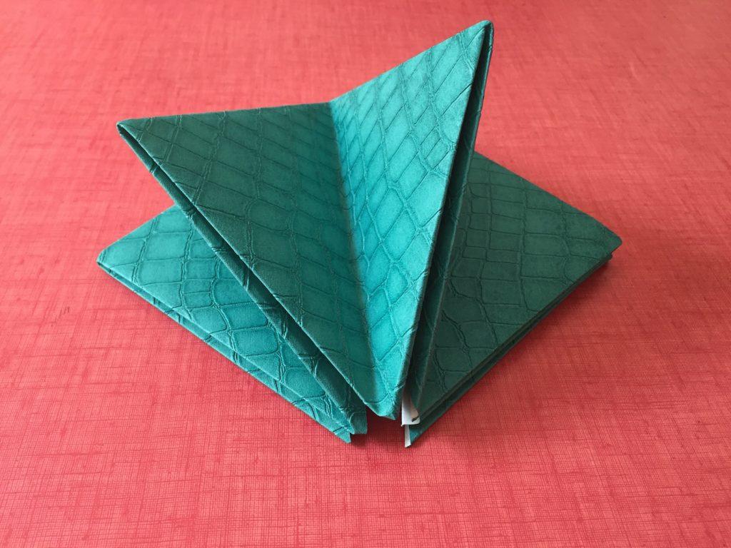 faire un vase en papier origami tuto diy clem around the corner. Black Bedroom Furniture Sets. Home Design Ideas