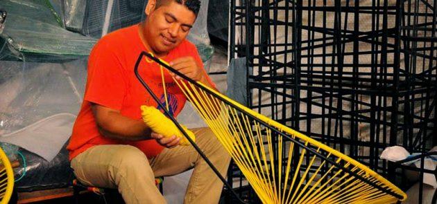 fabriquer un fauteuil en scoubidou