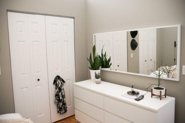 Appartement salle de bain grise et blanche minimaliste