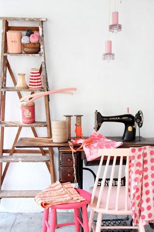 atlier couture original vintage machine à coudre établi