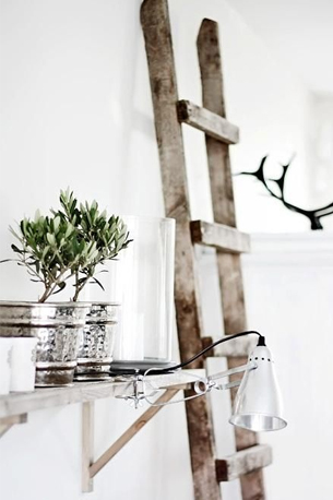 chambre rangement mural table de nuit original en vieille échelle en bois décoration rustique - clem around the corner