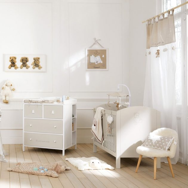 Chambre b b rouge et beige for Decoration chambre bebe fille photo