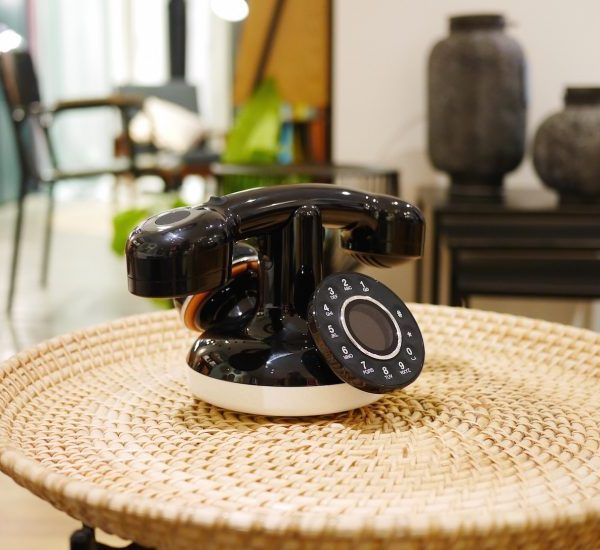 téléphone rétro vintage design années 60 70