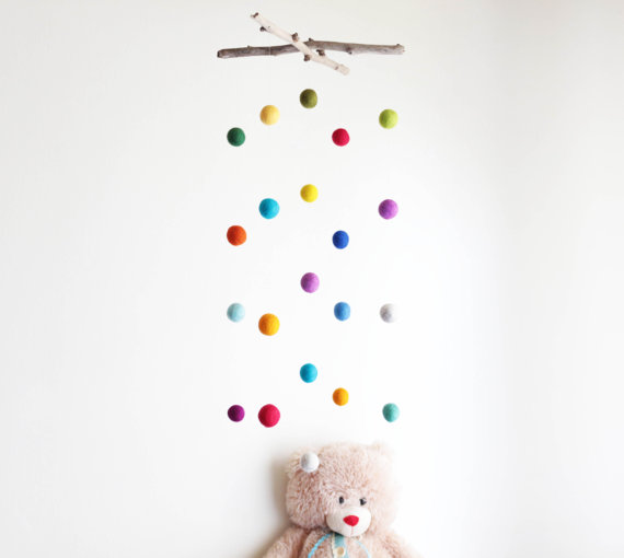 mobile enfants diy arc en ciel
