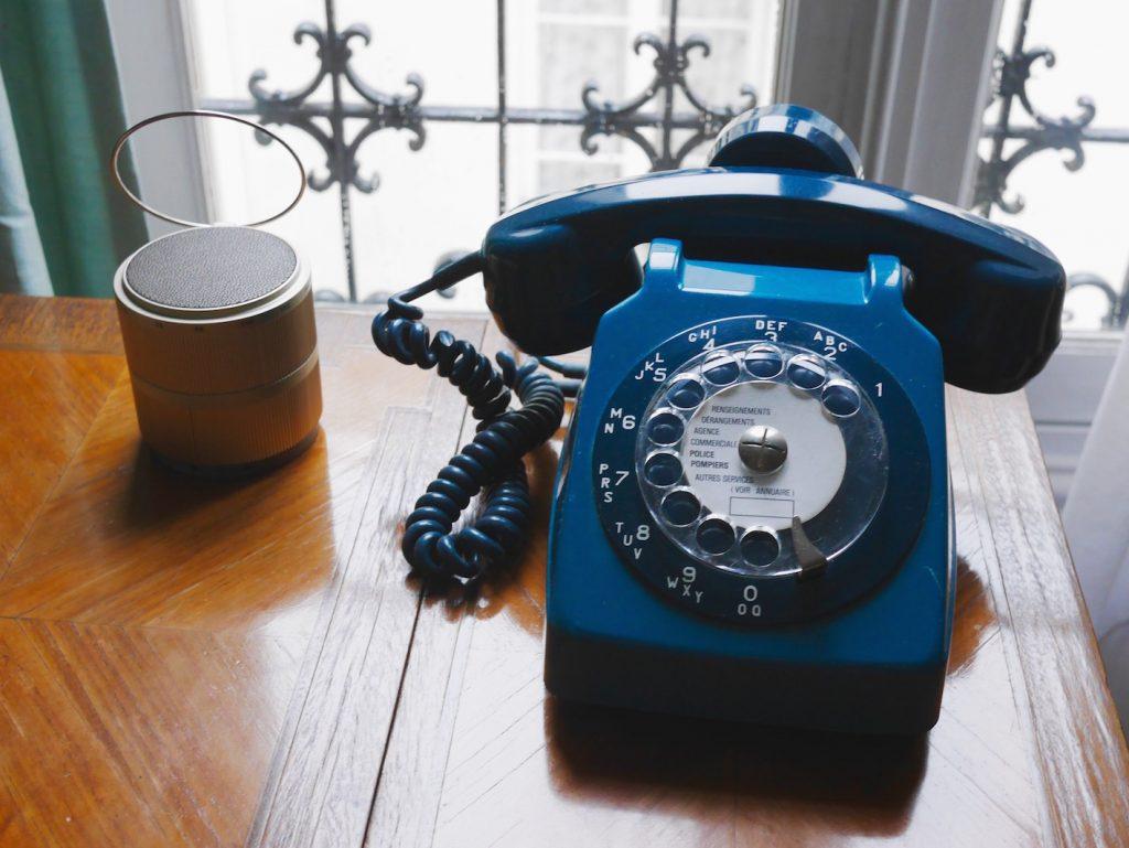 téléphone rétro vintage années 60 70 bleu canard