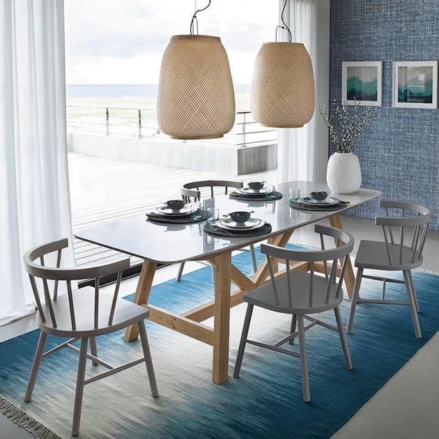 chaises grises salle a manger mer
