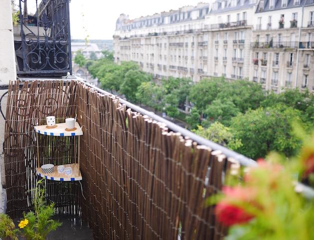 Aménager son balcon la table d'angle DIY