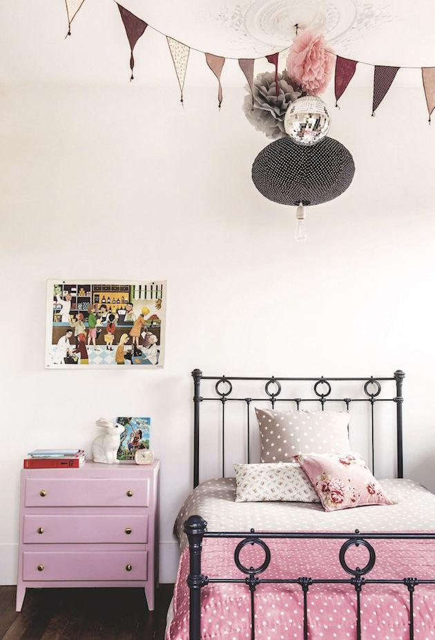 chambre rose et blanche retro vintage - blog déco - clem around the corner