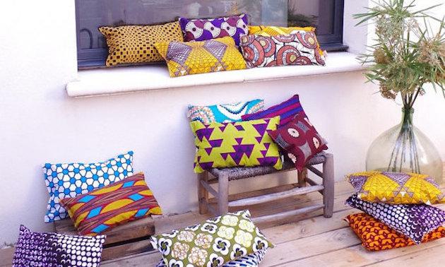 deco wax intérieur coussin salon tissu africain coloré pour la maison - blog décoration - clem around the corner