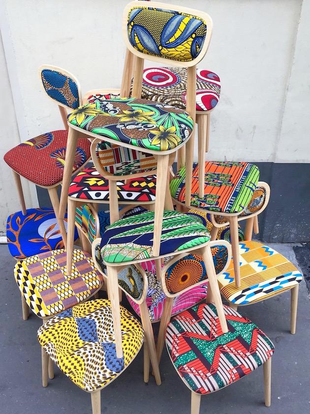 chaise wax tissu africain et bois design scandinave décoration intérieur coussin salon