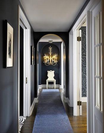 peinture noire couloir long conseil