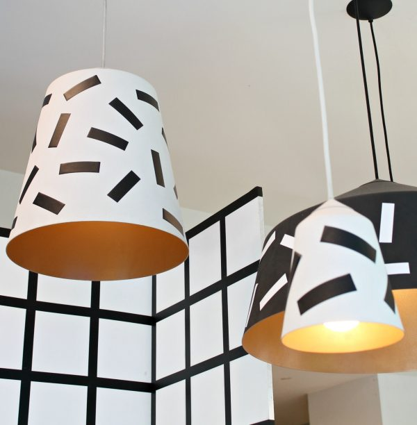 suspension noir blanche style confettis DIY