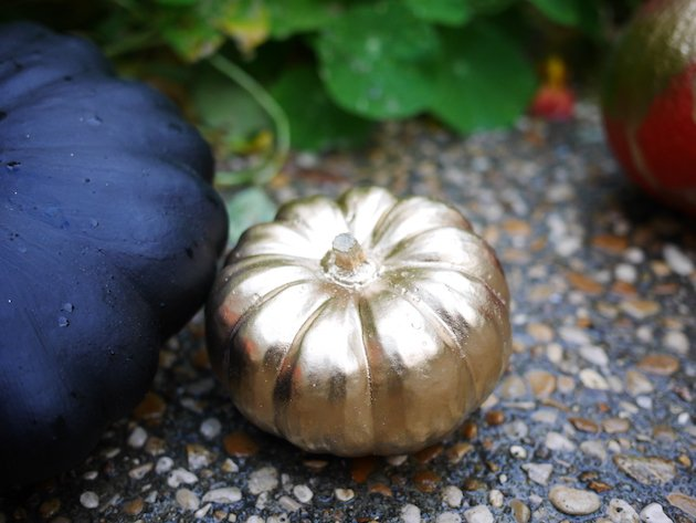 alternative à la citrouille Halloween diy decoration courge peinte