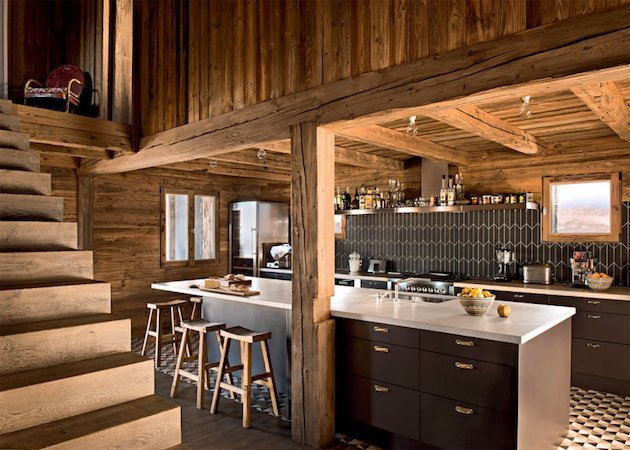 ferme de montagne transform e en chalet visite d co clem atc. Black Bedroom Furniture Sets. Home Design Ideas