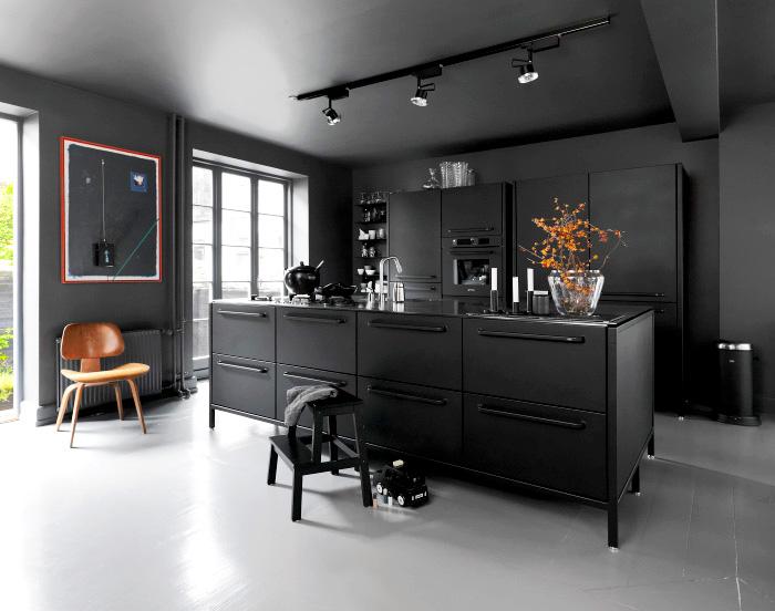 cuisine noire deco moderne spot