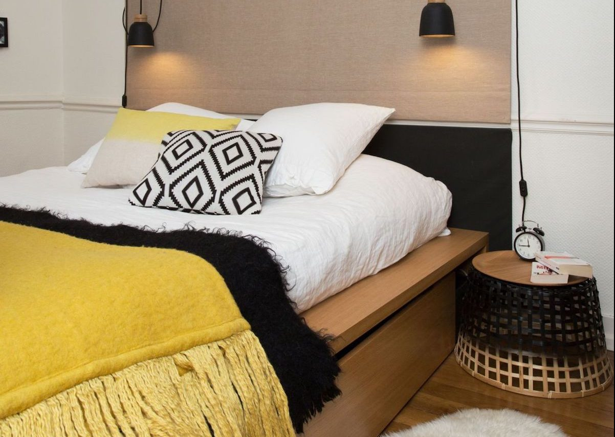 chambre jaune moutarde les coloris associer clemaroundthecorner. Black Bedroom Furniture Sets. Home Design Ideas
