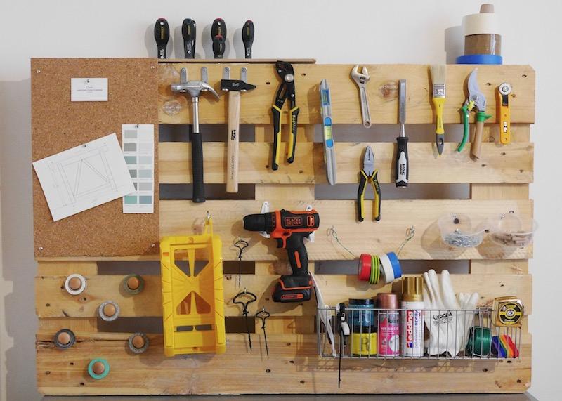 comment fabrique un meuble en palette pour ranger ses outils de bricolage