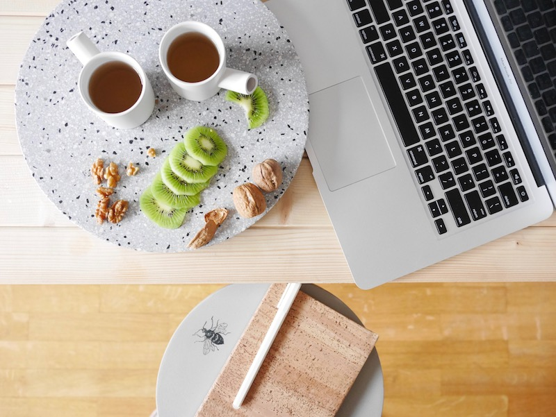 pause thé et kiwi serax travail