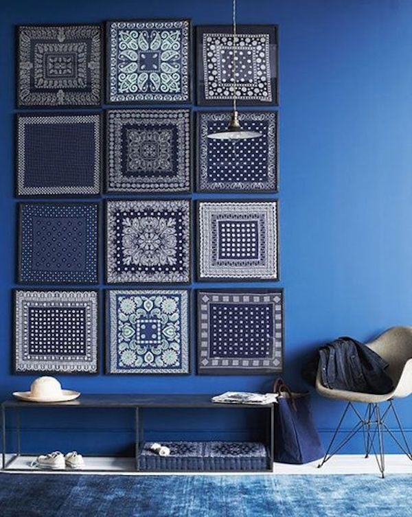 mosaique tableau aux mur bleu marine