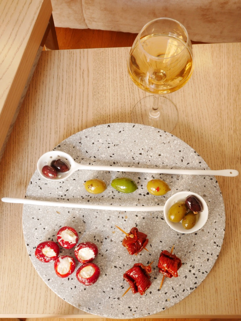 amuse-bouches italiens apéritif table basse