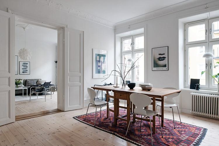 appartement danois design moderne et tapis persan