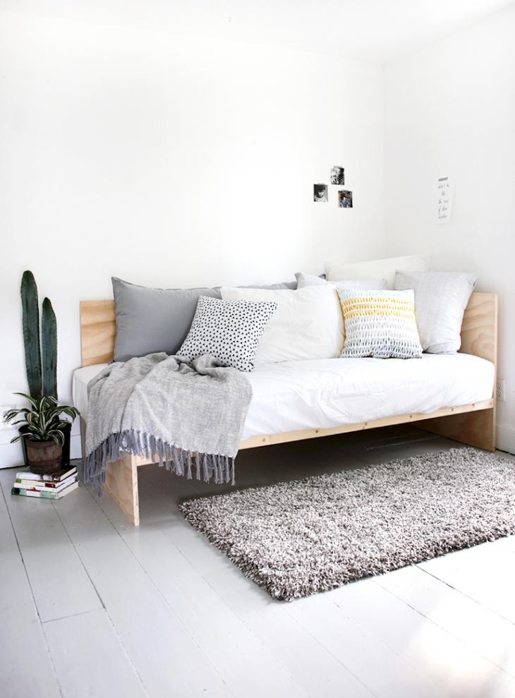fabriquer un meuble en contreplaqué en quelques étapes : le canapé minimaliste