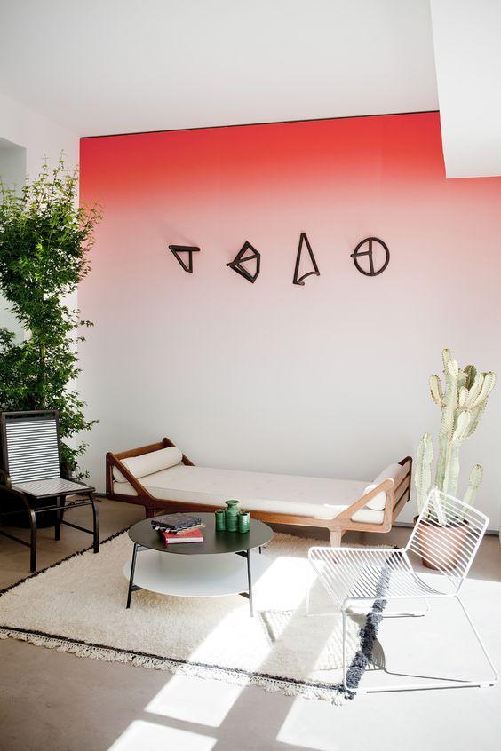 papier peint tie and dye degradé rose blanc salon