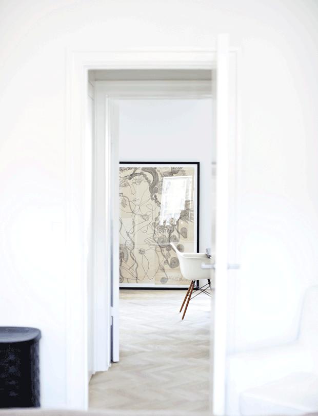 mur blanc minimaliste elegant couloir