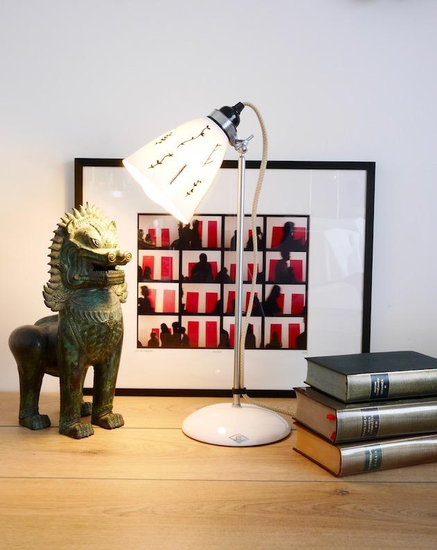 Lampe de bureau en porcelaine deco vintage industrielle