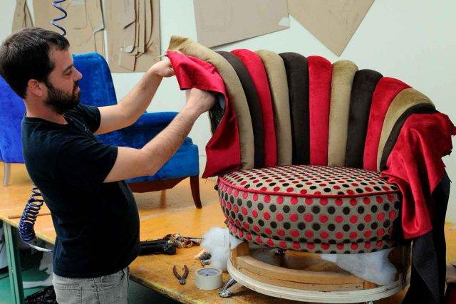 comment retapisser un fauteuil crapaud astuces