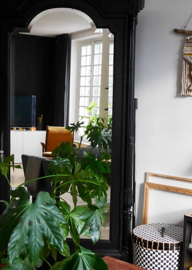 salon noir jaune decoration interieure blog clemaroundthecorner
