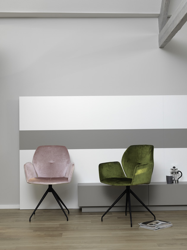 chaise originale fauteuil de bureau velours rose vert pied metal