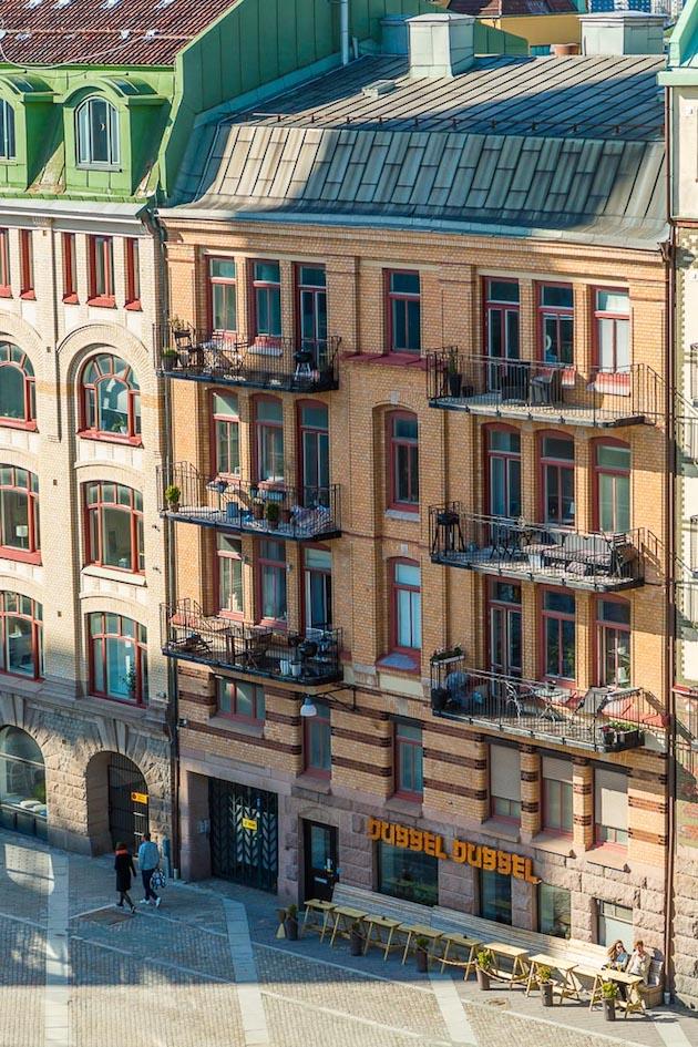 immeuble brique suedois scandinave minimaliste