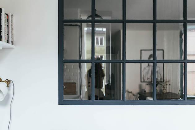 cuisine verrière bleu fonce petit studio