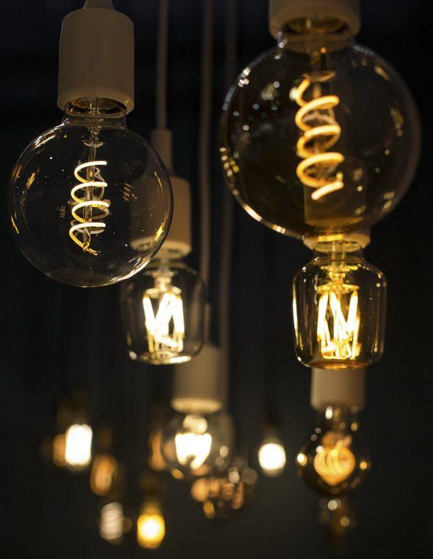 Les ampoules led à filament apportent une ambiance cosy tout en étant écologiques.