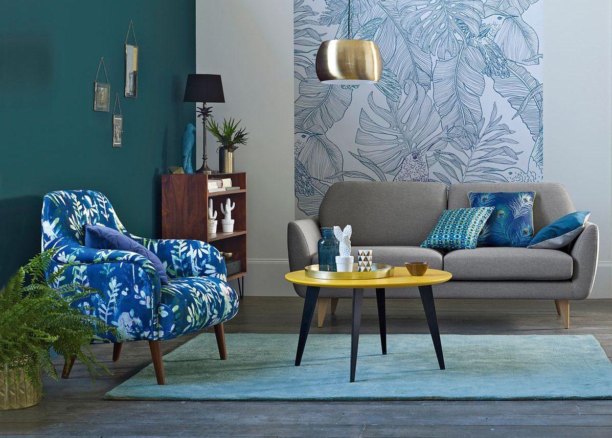 comment tapisser une chaise ancienne classique by le. Black Bedroom Furniture Sets. Home Design Ideas