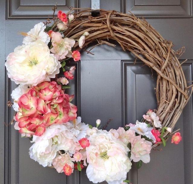 déco printemps couronne de fleurs pour porte d'entrée