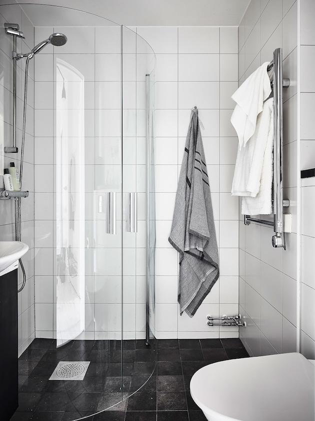 douche a l'italienne scandinave grise retour à Göteborg