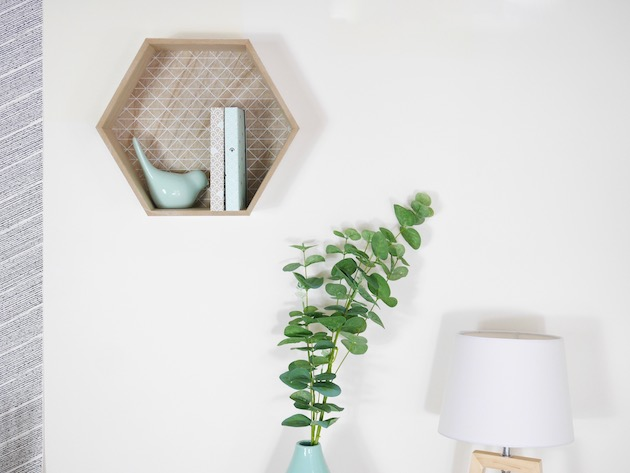 etagere hexagonale en bois mint deco scandinave but