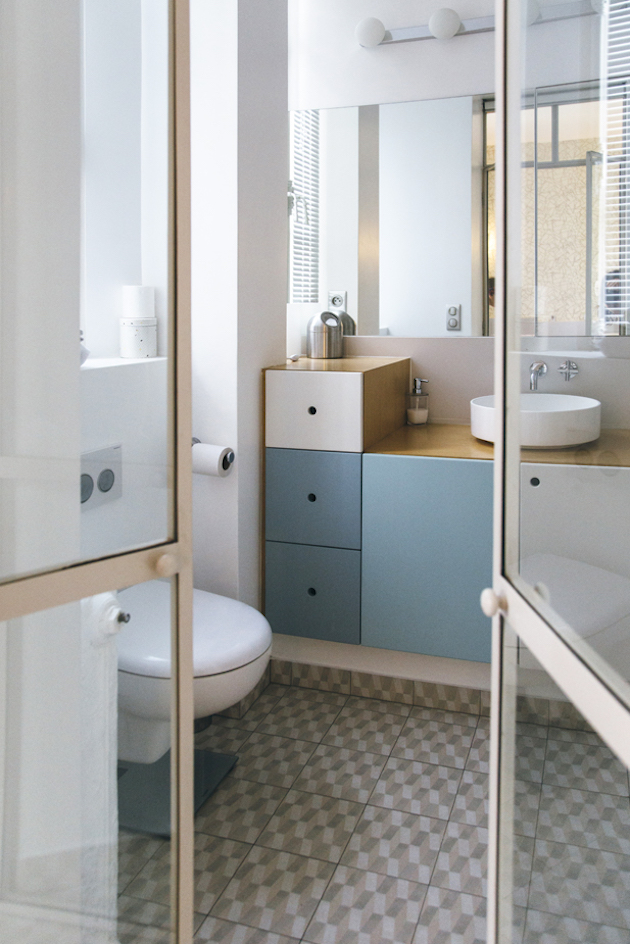 appartement haussmannien moderne salle de bain épurée