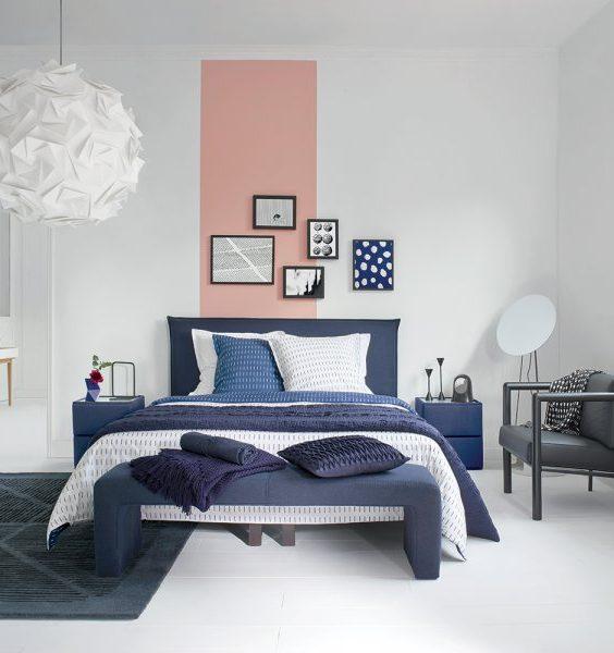 bande peinture rose dans la chambre mur de cadres bleu
