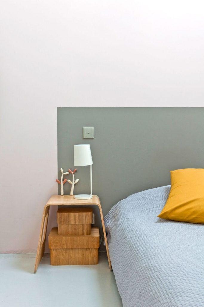 tete lit en peinture kaki rose minimaliste
