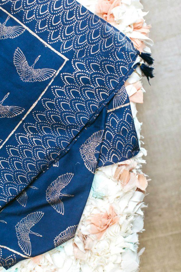 robe mariée logo oiseau de paix doré