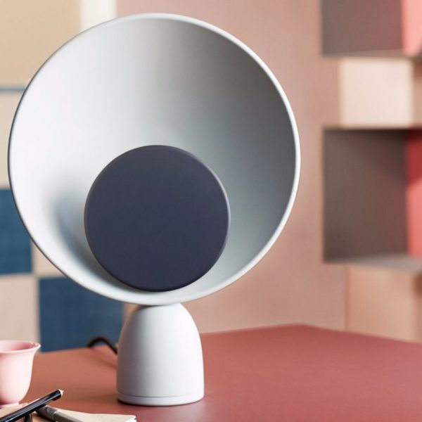 Lampe Blooper Please wait to be seated design danois