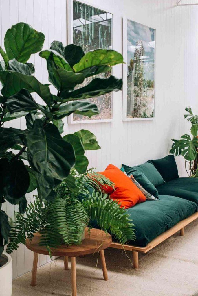 canapé en velours vert émeraude clemaroundthecorner