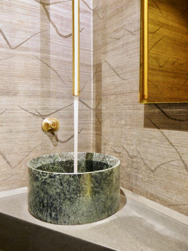 bec de lavabo suspendu laiton sdb marbre vert