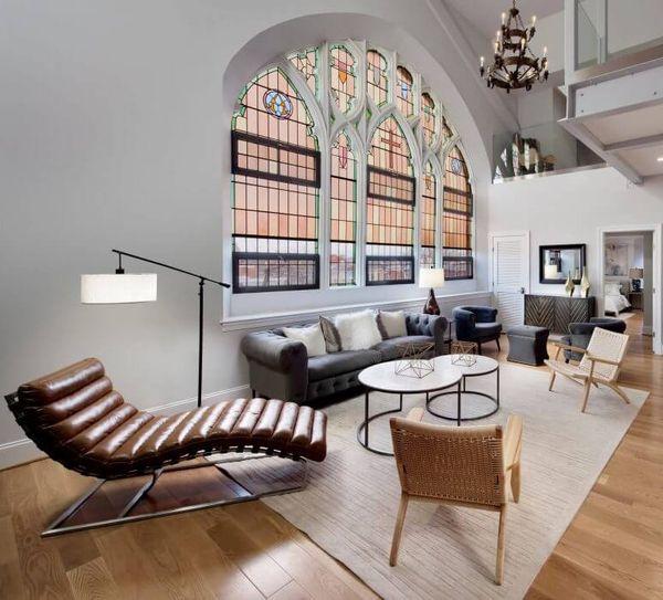 piece a vivre eglise vitraux eglise transformee en maison